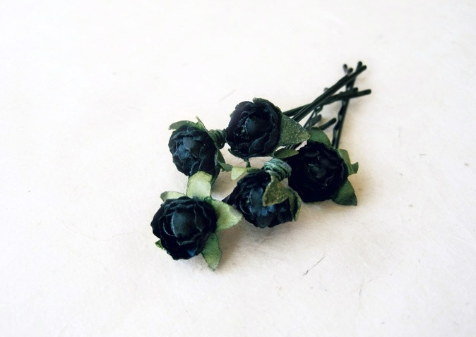 Black Rose Bobby Pins